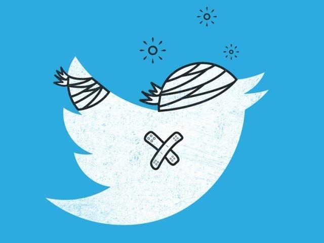 ٹویٹس میں معمولی غلطی سے آپ کے فالوورز تیزی سے کم ہوسکتے ہیں۔ فوٹو: فائل