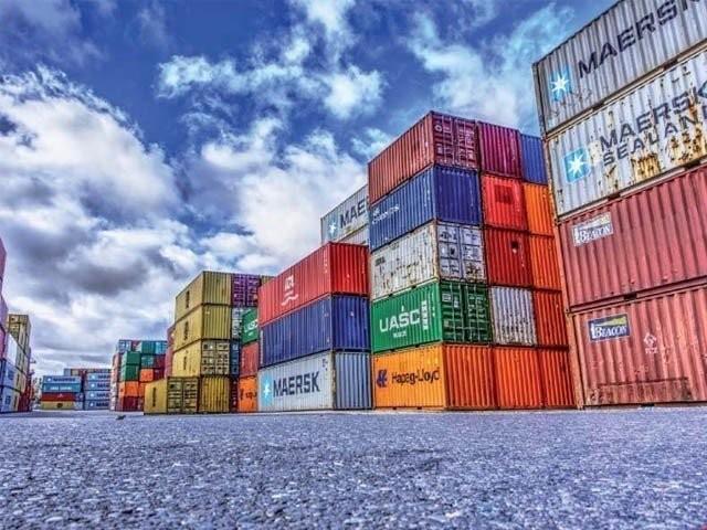 درآمدات 17.6 فیصد اضافے سے 61.6 ارب ڈالر اور برآمدات 31.6  ارب ڈالر تک پہنچ گئیں ۔  فوٹو : فائل