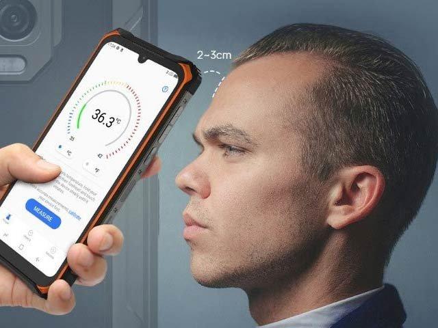 جنوبی کوریا کے ماہرین نے اسمارٹ فون کے لیے کم خرچ اور درست ترین حرارتی سینسر بنایا ہے جو فوری طور پر درجہ حرارت نوٹ کرسکتا ہے۔ فوٹو: فائل