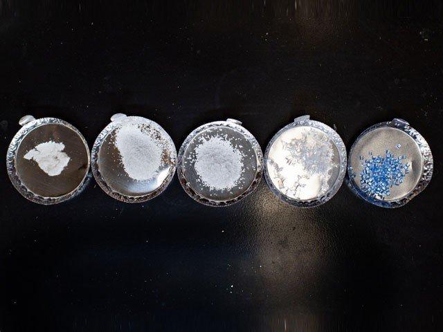 بیکٹیریا استعمال کرتے ہوئے مختلف اقسام کے پلاسٹک کو پروٹین میں تبدیل کیا جارہا ہے۔ (فوٹو: مشی گن ٹیکنالوجی یونیورسٹی)